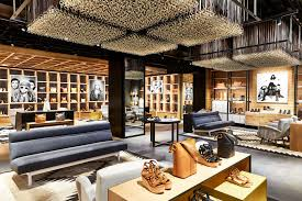 frye opens its first pacific northwest store in u village