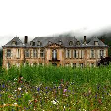 Renovation Kingdom Instagram by Couple Buy An Abandoned French Chateau Start A Blog To Share