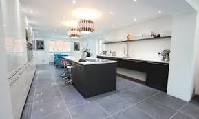 cuisine moderne blanche maison design moderne areyaa com