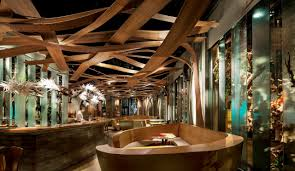 Small Restaurant Interior Design Interior Small Dining Space With The Iconic Platner Table On