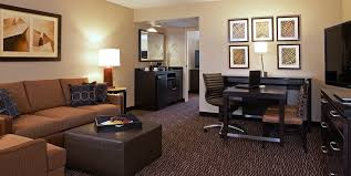 2 bedroom suites in hollywood ca the embassy suites lax at lax airport