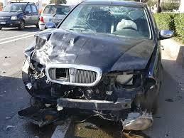 auchan si e auto scontro tra due auto vicino all aeroporto due feriti olbianova