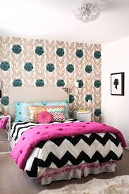 Black And White Bedroom With Color Accents 25 Kids U0027 Bedrooms Showcasing Stylish Chevron Pattern