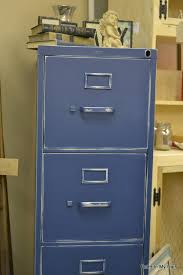 Chalk Paint On Metal Filing Cabinet Who Knew You Could Turn An Ugly Old Metal File Cabinet Into
