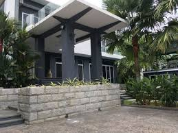 luxury bungalow with pool gym and theater room house for sale in