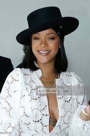 si e lvmh singer rihanna attends the fashion designer lvmh prize 2017 at picture id696622100