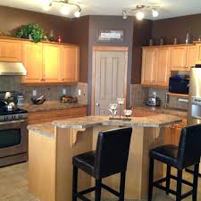 kitchen wall colors with maple cabinets maple kitchen wall cabinets kitchen wall color ideas with maple