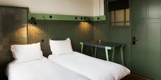 1 star budget twin room with shared bathroom rooms lloyd hotel
