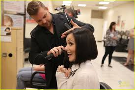 hair cut steps after cancer italia ricci steps out in support of breast cancer research