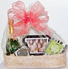 bridal shower gift basket ideas unique bridal shower gift basket ideas 99 wedding ideas