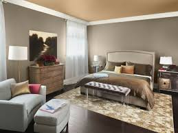wohnideen small bedrooms wohnideen schlafzimmer beige wände schöner teppich farbige