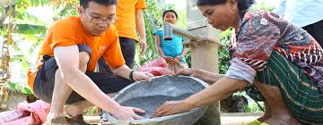 why volunteer abroad our better world