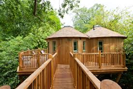 Treehouse Fostering Agency - the treehouse at harptree court near bath glamping house u0027s