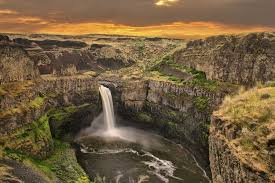 Oregon waterfalls images The best fall waterfall hikes in oregon and washington jpg