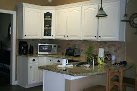 white paint for kitchen cabinets best painting kitchen cabinets