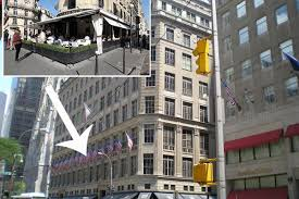 Saks Fifth Avenue Floor Plan by Parisian Celebrity Magnet L U0027avenue To Open Inside Saks Fifth