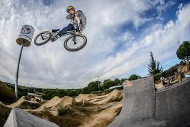 photos backyard session with sergio layos photo red bull bike