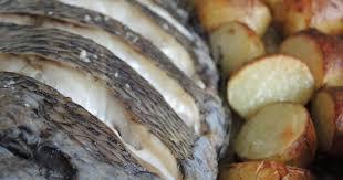 comment cuisiner une daurade dorade au four pommes de terre nouvelles sauce à l oseille