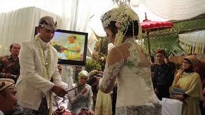 the traditional indonesian wedding of devi u0026 iptu pol hegy