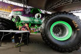 grave digger monster truck schedule monster jam 2016 si com