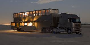 Two And A Half Men House by Ashton Kutcher U0027s Luxury Two And A Half Trailer Extravaganzi