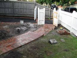 secondhand red brick quality melbourne landscaping and paving