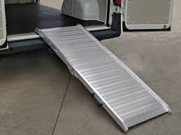 pedana di carico pedane di carico per furgoni cerutti giulio