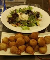 fa des cuisine une salade des acras huileux et fades picture of