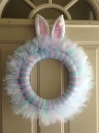 Easter Decorations For Wreaths by Best 25 Tulle Wreath Ideas On Pinterest Wreath Tulle Diy Tutu