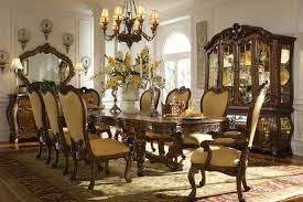 table providing luxury classic style on spacious dining room