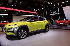 hyundai crossover hyundai kona shows other crossovers how it u0027s done at iaa 2017