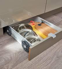 plinthe sous meuble cuisine des rangements dans tous les recoins de la cuisine ce kit tiroir s