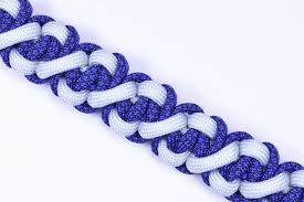 make paracord bracelet youtube images Make the quot paralix quot paracord survival bracelet boredparacord jpg