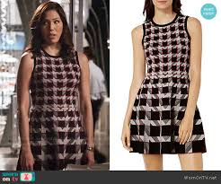 houndstooth dress wornontv angela s houndstooth dress on bones michaela conlin