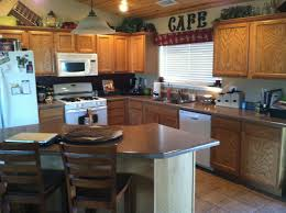 Honey Oak Kitchen Cabinets What Color Wood Floor Goes With Oak Cabinets Attractive Home Design