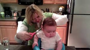 baby u0027s haircut at home with trim youtube