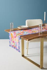 what is a table runner table linens table runners cloth napkins anthropologie