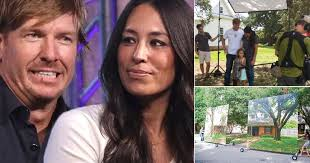 15 little known facts about u0027fixer upper u0027s u0027 chip and joanna gaines