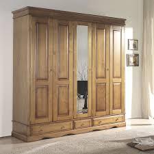 chambre adulte en bois massif armoire de chambre adulte beautiful chambre bois massif seiunkel