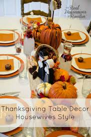 thanksgiving table decor style fakesgiving