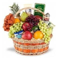 fruit basket ideas best 25 fruit gift baskets ideas on fruit basket