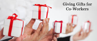 the do s and don ts of giving gifts at work tweak your biz