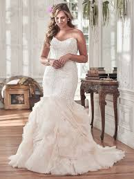 wedding dresses for flattering wedding dresses for curvy brides maggie