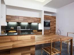 peinture r ovation cuisine peinture noir laqu pour meuble les peintures pour boiseries sont
