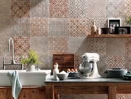 fliesen für die küche fliesenspiegel in der küche ideen mit patchwork mustern