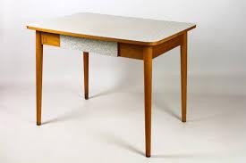 table de cuisine formica chaise formica 40 dernier modèle chaise formica table de cuisine en