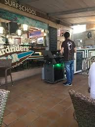 grillk che grill chef photo de rapa nui boardriders bar costa calma