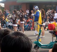 living on the border in el paso tx thanksgiving parade