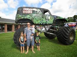 original grave digger monster truck it u0027s fun 4 me north carolina digger u0027s dungeon