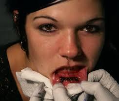 globporlocen inner lip tattoos